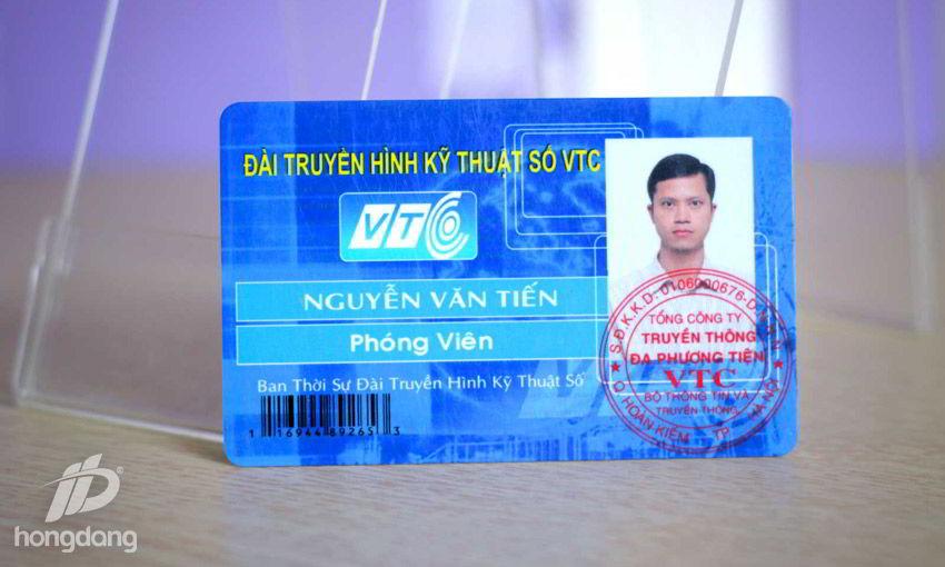 Thẻ nhân viên làm bằng thẻ từ