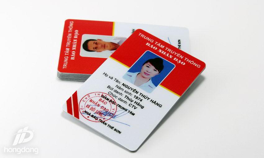 Mẫu thẻ nhựa nhân viên báo chí