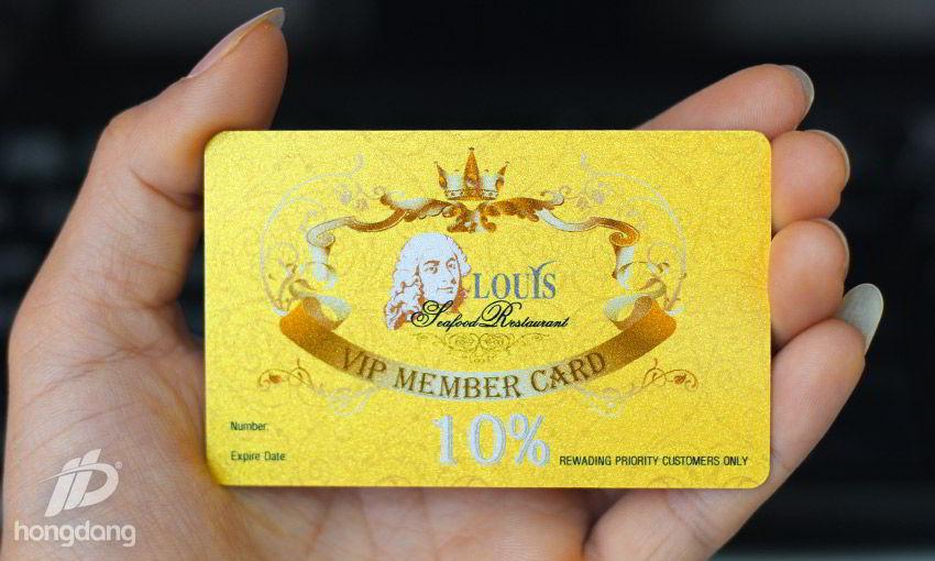 Quy trình phủ nhũ vàng cho thẻ nhựa