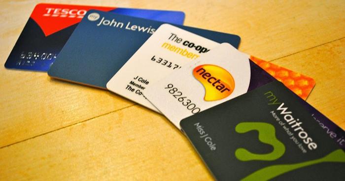 In thẻ nhựa tích điểm để chăm sóc khách hàng hiệu quả hơn