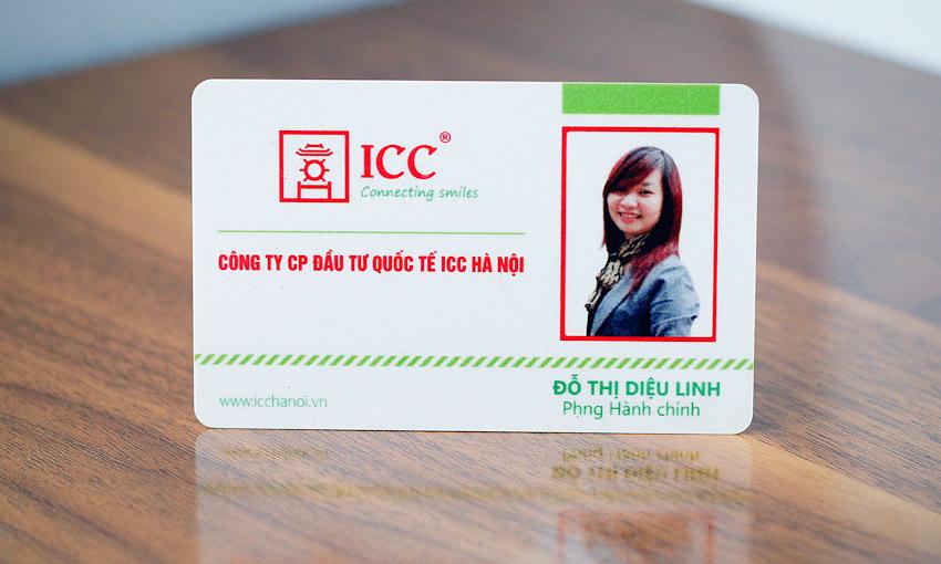 Mẫu thẻ nhân viên do Hồng Đăng thiết kế và in ấn