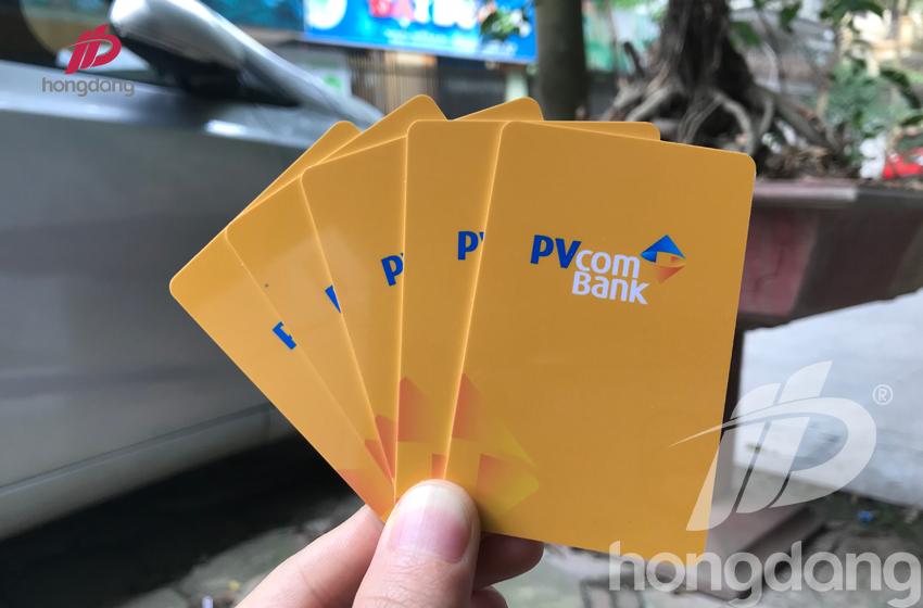 the-nhan-vien-pvcombank